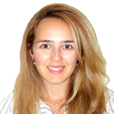 Beatriz Serato headshot