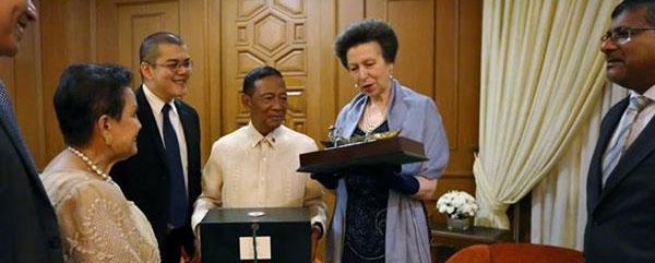 Chevening Alumnus facilitates HRH Princess Anne's visit to the Philippines