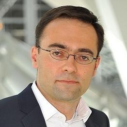 Dr Zoltan Csedo