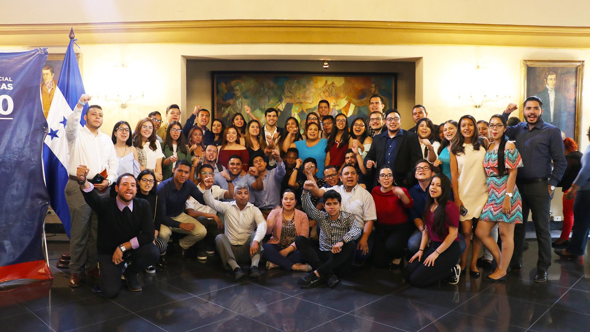 """Programa Presidencial de Becas """"Honduras 20/20"""""""